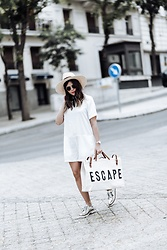 Flaunt and Center - Escape Tote - The perfect travel tote