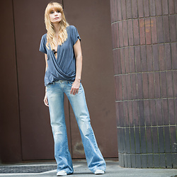 Daggi Str - Candy Floss Silk Top, Diesel Denims, Converse Sneakers - 70's vibes