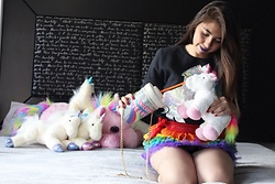 Karen Cardiel - La Cobacha Unicorn Hoodie, Diy Rainbow Tutu, Skinnydip London Unicorn Tears Purse - Feeding my babies with tears of unicorn happiness ????⭐️