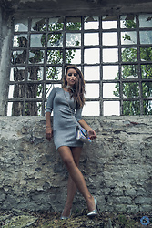 Aevoulette Benssalconia - Terranova Grey Dress, Novecento Hologram Shoes, Inportana Shoes Hologram Bag - Empty Walls