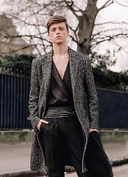 Georg Mallner - Zara Coat, Asos Shirt, H&M Pants - July 13, 2017