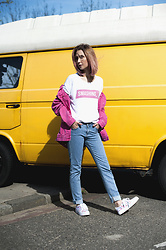 Olga Oktawia - Medicine Tee, Bershka Jacket, Lee Pants, Even&Odd Shoes - Pink hair, don't care