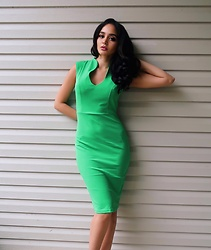 Norma Conedera - Ifashionmia Green Bodycon Dress - A Green Mile