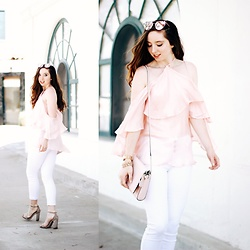 The Indie Girl Fleming - Noaelle Cold Shoulder Top, M.Michel Perfect White Jeans - BARBIE MOMENT WITH NOA ELLE