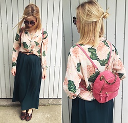 Matylda - Zara Backpack, Second Hand Shirt, Primark Maxi Skirt, Stradivarius Eyeglasses - Maxi skirt & pink backpack