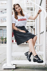 Odette - Pull & Bear Boots, American Apparel Skirt, Stradivarius T Shirt - Cut out boots
