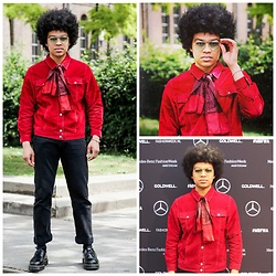 Tevin Raynor - Kenzo Jacket, Chanel Scarf, Levi's® Pants - Amsterdam Fashion Week