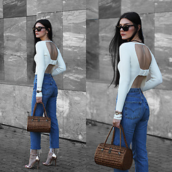 CLAUDIA Holynights - Zara Open Back Knit, Daniel Wellington Rose Gold Classic Petite Watch, Vintage Straw Basket Bag, 4th & Reckless Rose Gold Shoes - Knit and straw