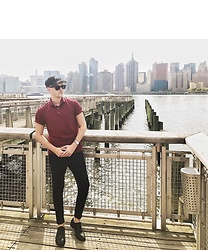 Piotr Ryterski - New York Yankees Hat, Ray Ban Sunglasses, Kent Wang Polo, Longines Watch, Daniel Wellington Bracelet, Aldo Shoes, Zara Pants - Views