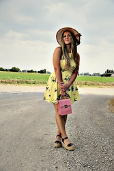 Emma MAS - Forever 21 Yellow Dress - Flowered yellow dress