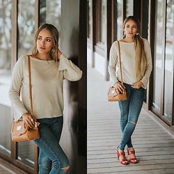Priscilla Eslo -  - Casual outfit with red heels