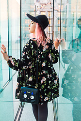 Alice Duporge - Shein Black Dress, Sammydress Kitty Bag Ghibli Jiji - La Défense