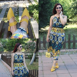 Rebel Takipte - Rosewholesale Yellow Slippers, Rosegal Colorful Dress - Yellow Slippers