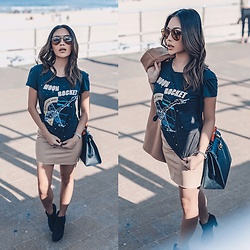 Joanna Aoran - Showpo Slogan Tee, Missguided Leather Skirt In Nude, Hermès Kelly 32, H&M Ankle Boots - Moon & Rocket