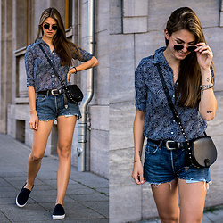Jacky - Ray Ban Sunglasses, Gant Shirt, Levi's® Shorts, Rebecca Minkoff Bag - Denim Shorts and Blue Shirt