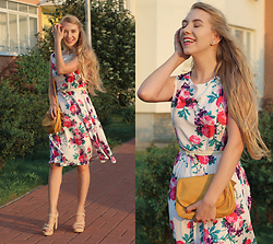 Lena -  - HOW TO STYLE A FLORAL DRESS?