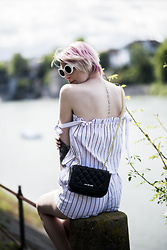 BEHINDHERMASK - Moschino Bag - Stripes for summer