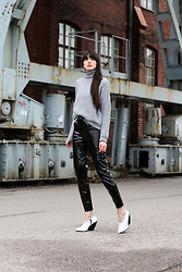 Paz Halabi Rodriguez - Mango Turtle Neck Sweater, H&M Vinyl High Waisted Pants, H&M White Heeled Boots - Never is too late