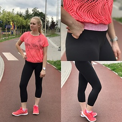 Natalia Piatczyc - Ppz Ppz.Com, Victory Deichmann Shoes, Primark Sporty Top - Gym look