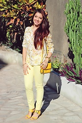Nde -  - All yellow ? Floral look