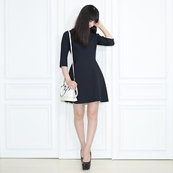 Otto Lillian -  - Dark Blue Dress