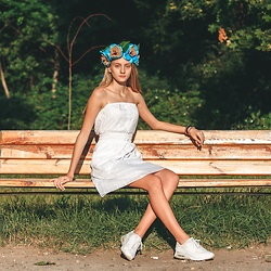 Dasha - Es Odessa Accessory, Nike Trainers, Motor Jeans Casual Dress - For amazing accessories by ES