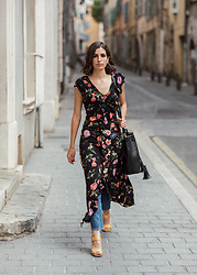 Aria -  - A floral summer dress