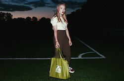 Lilian A - Dearhunter Rotterdam Vintage Checked Grandpa Pants, Aldi Bag, Stardust Groningen 50's Vintage Crew Neck Wool Top - How rude the flowers that grow but do not grow beautiful