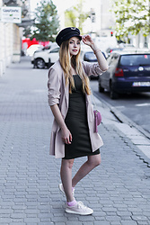 Juliette Jakubowska -  - OUTFIT WITH TOMMY X GIGI HAT