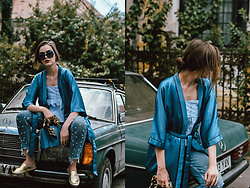 Andreea Birsan - Silk Kimono, Baby Blue Ruffle Top, Borsa A Mando Saffiano Lux Cobalt Prada Bag, Pearl Embellished Mom Jeans, Vintage Scarf, Choker, Square Sunglasses, Statement Earrings, Gold Metallic Flat Mules - The 'grown up' kimono
