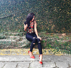 Siça Ramos - Amazon Shoes, Shein Pants, Tosave Blouse - Outfit Cute