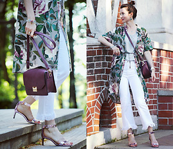 Arina V. - Stradivarius Jeans, Zara Sandals, Glance Bag, Noname Dress - Kimono-dress