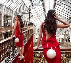 Cissy Zhang - Styled In Paris Oversized Pearl Clutch Bag - Pearl bag and red bow
