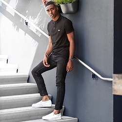 Willie Sparks - Lacoste Black Polo, H&M Black Denim Jeans, Zara Shoes - Minimal