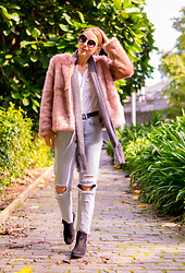 Malin P -  - Cotton Candy Coat