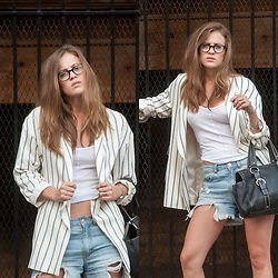 Alexandria Deanne - Zara Blazer, Forever 21 Denim Shorts, Coach Bag - Weekend Blazin