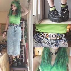 Amethyst . - Vintage, Demonia Creepers, Hot Topic Cat Choker - Green with envy.
