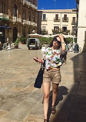 Chiara G - Zara Tropical Shirt, Tally Weijl Pink Iphone 5c Case - Lost in Siracusa