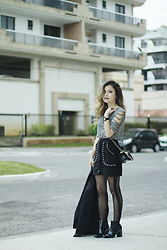 Leticia Oliveira - Shein Skirt - Black and Grey