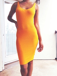 Kat Smith - H&M Yellow Dress - Loving Yellow ?