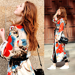 Martina L. - Zaful Floral Dressing Gown - 5 REASON WHY YOU NEED A DRESSING GOWN