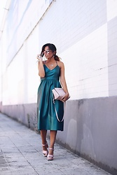 Bárbara Marques - Zara Dress, Michael Kors Bag, Stradivarius Heel, Ray Ban Sunglasses - A SECOND THOUGHT