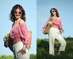 Arina V. - Zara Top, Uniqlo Pants, River Island Sunglasses - Romantic mood