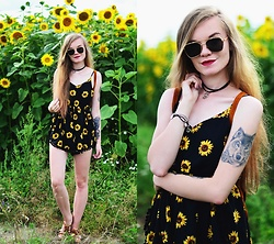 Karolina N. - Zaful Sunglasses, Zaful Romper - SUNFLOWERS
