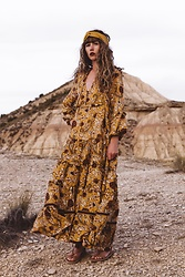 Alexe Bec - Spell Designs Maxi Dress, I'm With The Band Headband, L'une Et L'autre Sandals - A mustard dream
