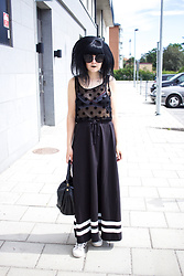 Panda . - Quay Sunglasses, H&M Top, Moschino Bra, Monki Skirt, Marc By Jacobs Bag, Adidas Shoes - TODAYS LOOK
