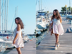 Konstantina Antoniadou - Nordstrom Blush Dress, Boohoo Blush Dress ( Favorite 2), Maslinda Desins Espadrilles, Soludos Espadrilles (Another Favorite Under $100) - The ultimate summer dress