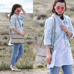 Carissa G. - Levi's Jeans, Chicos Jacket - Road Trip Pitstop