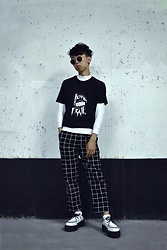 Samuel Oh - White Mock Neck, Forever 21 Grid Pants, Demonia V 502 White Platform Creepers - MONO