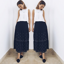 Aylar - Stradivarius Skirt, H&M Blouse - Black&white mood?